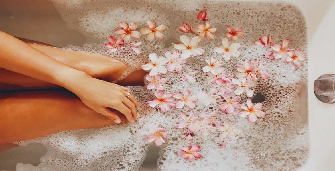 How to – Use Essential Oils in the Bath