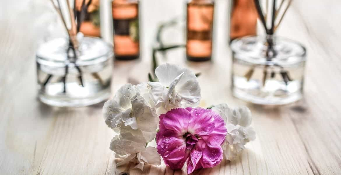 Read more about the article What is Aromatherapy?